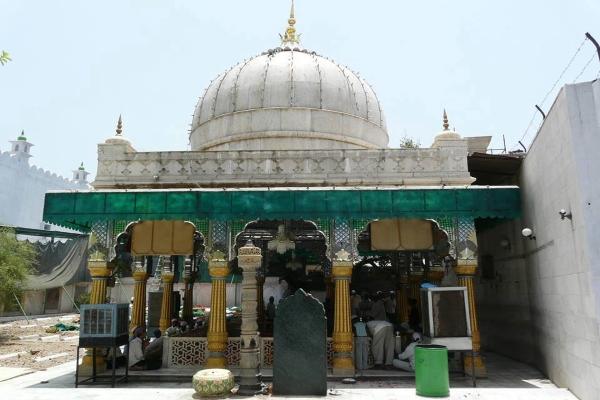 Hazrat Khawaja Syed Qutubuddin Bakhtiyar Kaki Rehmatullah-alaihi
